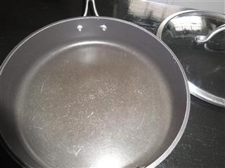 Are Scratched Or Chipped Nonsick Pans Safe