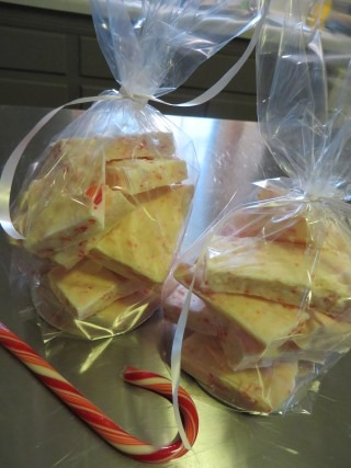 Holiday Peppermint Bark Recipe 093 (Mobile)